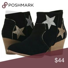 ✂ Size 8 Only Mojo Moxy Tracery stars suede boot Black genuine suede with glittery stars in silver and golf and gold glittery piping. Inside ankle zip. New in box. 8.5 pictured for reference.  No trades. Mojo Moxy Shoes Ankle Boots & Booties