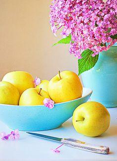 Golden Yellow Apples...