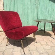 Pièces iconiques des années 60, cette paire de chauffeuses vintage Kiss de Pelfran trouveront leur place dans n'importe quel intérieur !