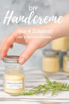 Hand cream make your own recipe with only 4 ingredients Smillas Woh .- Handcreme selber machen Rezept mit nur 4 Zutaten Smillas Wohngefühl Hand cream make your own recipe with only 4 ingredients Smilla living feeling - Natural Beauty Tips, Diy Beauty, Beauty Hacks, How To Make Your Own Recipe, Hand Care, Belleza Natural, Diy And Crafts, Soap, Cosmetics