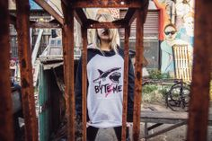 hoodie - buzo - diseño - urbanlife - fashion - design - tiburon - shark - pixelart - pixel - ranglan