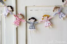 Girl. Inspired.: Little Doll Garland
