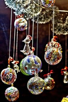Beautiful Murano glass ornaments, Venice ~ a dear friend gave me one of these… Noel Christmas, Glass Christmas Ornaments, All Things Christmas, Christmas Crafts, Christmas Decorations, Holiday Decor, Ball Ornaments, Hanging Ornaments, Xmas