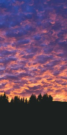 fond d'écran samsung Beautiful❤ – arrière-plans ♥ – # # beautiful - di sfondo iphone -samsung - huawei Pretty Sky, Beautiful Sky, Beautiful Landscapes, Aesthetic Pastel Wallpaper, Aesthetic Backgrounds, Aesthetic Wallpapers, Wallpaper Sky, Cute Wallpaper Backgrounds, Wallpaper Awesome