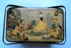 Antique 1930 Walt Disney Snow White 7 Dwarfs Belgium Biscuit Tin Lunch Box | eBay Tin Lunch Boxes, Vintage Lunch Boxes, Snow White 7 Dwarfs, School Lunch Box, Disney Collectibles, Disney Cartoons, Vintage Disney, Tins, Belgium