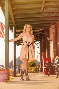 Raven Donner - Frisco High School - Senior Portraits - Class of 2016 - Senior Pictures - Downtown Prosper - #seniorpics - Ideas for Girls - Fall - Stunning - #seniorportraits - @sadibrooke - Tyler R. Brown Photography