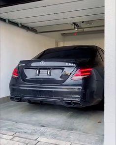 Mercedes Benz E63 Amg, Black Mercedes Benz, Mercedes G Wagon, Volkswagen Golf Mk2, Street Racing Cars, Car Sounds, Car Goals, Best Luxury Cars, Bmw Cars