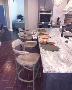 Kitchen Marble Grey Granite Countertops Best Ideas - Decoration Tips Brown Granite Countertops, Granite Flooring, Kitchen Countertops, Countertop Options, Concrete Countertops, Kitchen Island, Marble Floor Kitchen, Kitchen Flooring, Grey Kitchens
