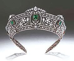 Harcourt Tiara by Boucheron c1910. Given to the Viscountess Harcourt by her uncle, the American banker, Pierpont Morgan.