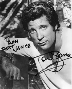 "BONS TEMPOS"": TOM JONES"