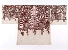 Africa | Man's tunic from the Jewish people living in the Tafilalet region of the High Atlas Mountains, Morocco | Cotton and silk | ca. Beginning of the 20th century | This type of tunic would have been worn together with baggy pants and a wide cummerband (belt) at weddings.