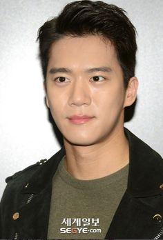 Something About 1, Ha Suk Jin, Lee Seung Gi, Man Crush, Asian Men, Korean Actors, Kdrama, Handsome, Housekeeper