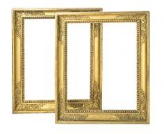 Pareja de marcos españoles estilo Imperio en madera y estuco dorados, de la primera mitad del siglo XIX