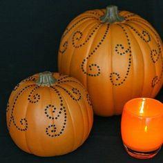 Jeweled Pumpkins - Autumn Home Decor - DIY Tutorial (via Glorious Treats: Pretty Jeweled Pumpkins {D. Craft}) (with fake pumpkins? Glitter Pumpkins, Painted Pumpkins, Halloween Pumpkins, Halloween Crafts, Halloween Decorations, Halloween Ideas, Fall Decorations, Fake Pumpkins, Carving Pumpkins