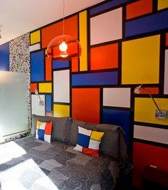 hotel con habitación estilo Mondrian