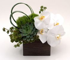 Cool 22 Beautiful Orchid Arrangements https://decoratop.co/2018/01/18/22-beautiful-orchid-arrangements/ The flowers are among the most significant design characteristics of a wedding. Clivia flowers may also be utilized to embellish entrances and aisles