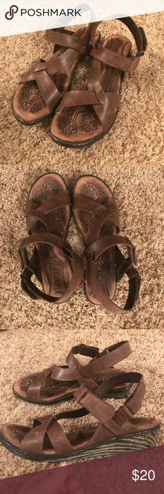 Born sandals (SUPER comfy!) Very comfortable Born brown leather sandals, size 8. Seriously some of the most comfortable shoes out there. These are in great used condition, only worn a handful of times. From a very clean non-smoking home. Make an offer! Born Shoes Sandals