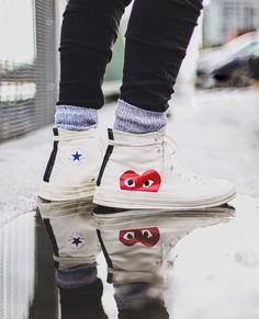 cdg converse on foot