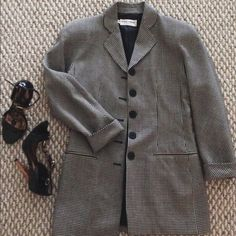 Vintage Giorgio Armani Blazer Vintage Giorgio Armani Blazer- Size 6, I'm 5'5 goes below waist. Looks chic buttoned or open. Mint Vintage Condition. Price Firm No Trades! Giorgio Armani Jackets & Coats