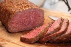 Så lækker bliver en roastbeef på gasgrill, der er stegt i 45 minutter ved lav varme. Foto: Guffeliguf.dk.
