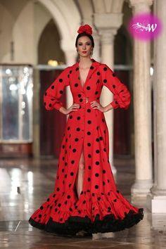 Spanish style – Mediterranean Home Decor Gala Dresses, Couture Dresses, Flamenco Costume, Flamenco Dresses, Beautiful Dresses, Nice Dresses, Red Frock, Spanish Dress, Stylish Sarees