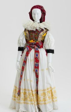 Clothing ensemble, traditional folk dress (hanacky kroj), Hana region of Moravia, former Czechoslovakia, 1940.