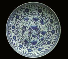 Isnik Plate, ca. 16th century, ceramic, Archeology Museum Istanbul (photo ©2007 Liz Hager)