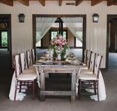 Photography: Julie Livingston Photography - julielivingstonphotography.com  Read More: http://www.stylemepretty.com/southeast-weddings/2014/03/11/tuscan-inspired-shoot-at-magnolia-plantation/