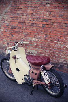 :: free the wheels ::: Honda Cub Bobber - Honda SuperCub Custom Style カスタムカブ画像集