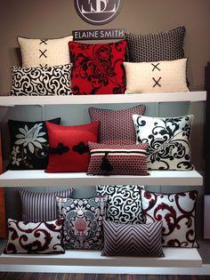 Red and Black Rot und Schwarz Cute Pillows, Diy Pillows, Sofa Pillows, Decorative Cushions, Scatter Cushions, Decorative Pillow Covers, Patio Pillows, Pillow Room, Soft Furnishings