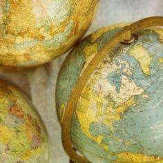 Love , Luv, globes, atlas', maps, old school gps...Love navigating #charmedindeed #wendy
