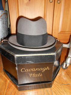 CAVANAGH vintage men's HOMBURG fedora hat XL 7 5/8 rare size dark grey/brown with box