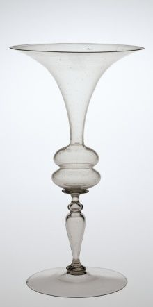 Cristallo Wineglass, 1575-1625. H: 21 cm; D (rim): 11.8 cm, D (foot): 8.9 cm. Collection of The Corning Museum of Glass (2000.3.11)