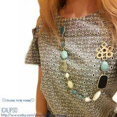 Se state cercando gioielli estate unico questo è tutto quello che ti serve avere. Perfetto blu gioielli collana fatta di materiali di prima qualità. Come si vede nelle foto, è davvero prezioso e ben rifinita. Questa collana è adatta per uno stile elegante e moda donna. La