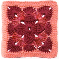 gorgeous granny square. now this looks fun and pretty!!!