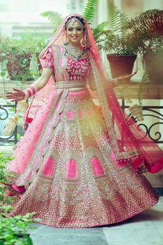 Best Ideas For Wedding Indian Bridal Lehenga Red Designer Bridal Lehenga, Pink Bridal Lehenga, Wedding Lehnga, Wedding Wear, Pink Lehenga, Punjabi Wedding Dresses, Wedding Suits, Gold Wedding, Wedding Bride