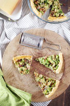 Tarte aux brocolis, champignons et lardons