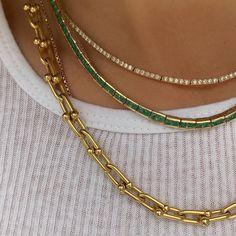 accessories gioiello Frachella Source by m - accessories Trendy Jewelry, Dainty Jewelry, Cute Jewelry, Gold Jewelry, Jewelry Accessories, Fashion Accessories, Fashion Jewelry, Jewlery, Gold Necklaces