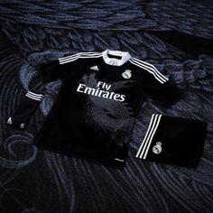 "c8b0970bb39 ""adidas präsentiert: real madrid x yohji yamamoto – champions league trikot"""