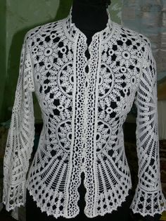 Openwork lace blouse - maomao - my heart action - Front. (Some diagrams and more photos at site)