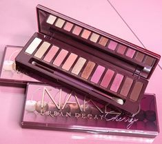Urban Decay Naked Cherry eye shadow palette has a sexy vibe that's more tart than sweet. Urban Decay Palette, Naked Palette, Urban Decay Eyeshadow, Eyeshadow Palette, Cute Makeup, Beauty Makeup, Beauty Dupes, Elf Makeup, Beauty Bar