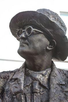 living statues Arnhem Living Statue, Statues, Body Art, World, Studio, Effigy, Studios, Body Mods, The World