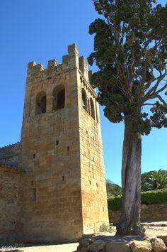 Torre campanario románica de estilo lombardo. Siglo XII. Sant Esteve de Canapost. Girona