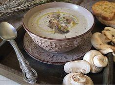Μανιταροσουπα Υλικά για 6 μερίδες: 900 γρ. μανιτάρια λευκά 2 κούπες γάλα 1,5% 4 κούπες ζωμό κότας (ή λαχανικών) 2 μέτρια κρεμμύδια ψιλοκομμένα 4 κ.σ. αλεύρι γ.ο.χ. 2 κ.σ. βούτυρο 1½ κ.σ. αποξηραμένο θυμάρι 1 κ.σ. ζάχαρη 40 ml κονιάκ λίγο αλάτι Εκτέλεση Σε ένα βαθύ αντικολλητικό τηγάνι (ή κατσαρόλα) σοτάρουμε τα κρεμμύδια με τοContinue Reading