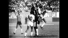 En esta posición aparecwn Cubillas y Uribe. Ese fue un amistoso ante el Gremio de Brasil antes de disputar la Copa del Mundo de España 82.