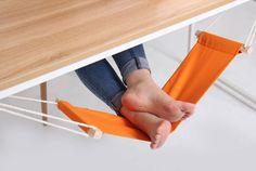 Hammock Foot Rest http://stuffyoushouldhave.com/hammock-foot-rest/
