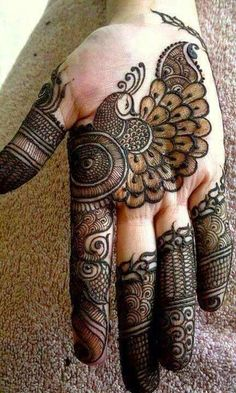 In Mehndi designs traditional mehndi design is also look good look for women hand.Here you can see latest, trendy and fancy mehndi designs. This mehndi design will available for both bride and groom. Henna Hand Designs, Eid Mehndi Designs, Mehndi Designs Finger, Peacock Mehndi Designs, Mehndi Designs For Girls, Mehndi Designs For Beginners, Modern Mehndi Designs, Mehndi Design Pictures, Beautiful Mehndi Design