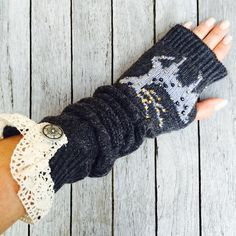 Woolblend knitted arm warmers fingerless mittens with white cotton lace details