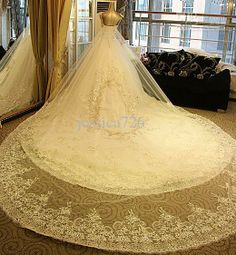 2013 Ball Gown Luxury Crystal Wedding Dress Sexy V-neck Applique Beaded Cathedral Train Bridal Gown
