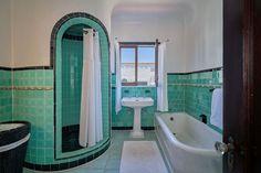 Art Deco Bathroom, Eclectic Bathroom, Bathroom Styling, Bathroom Interior, Vintage Bathrooms, Dream Bathrooms, Beautiful Bathrooms, Retro Home, House Rooms